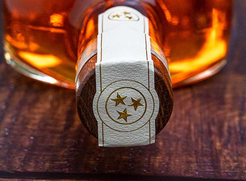 Uncle Nearest 1884 Premium Small Batch Whiskey - stopper and seal